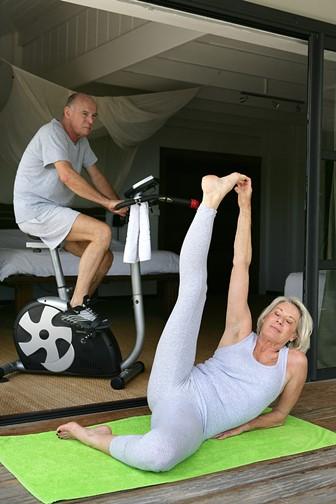 senior couple staying in shape
